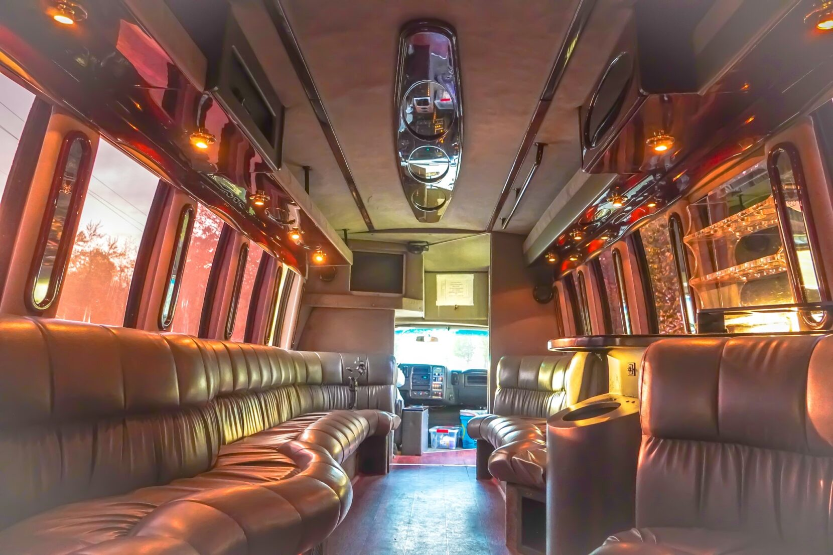 Reasons You Should Get a Reliable Limousine Service