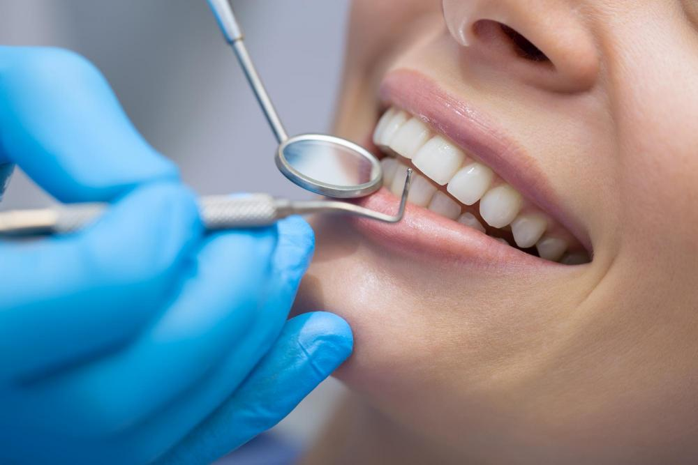 Dentist Who Treats Complicated Dental Problems And Diseases