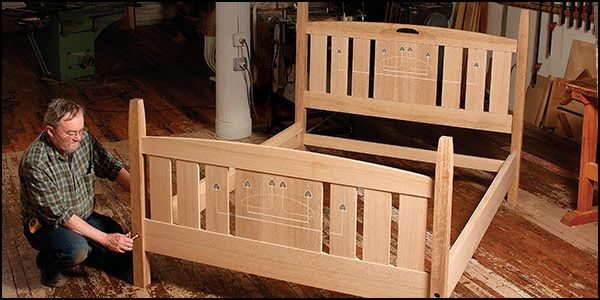 How to choose customized wood furniture online?