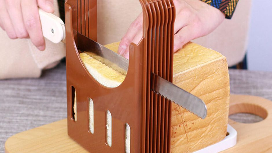 Make your work simple with the help of bread loaf cutter